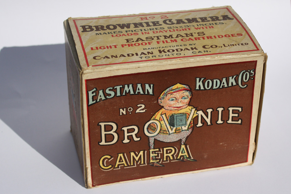 Eastman Kodak Co S No 2 Brownie Camera For Sale
